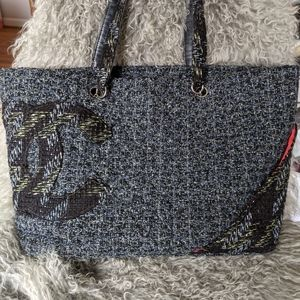 CHANEL Bags - CHANEL Tweed Cambon Shopping Tote